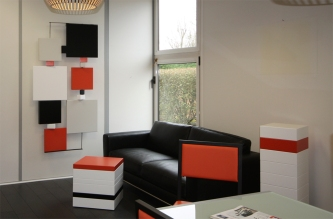 Design d'espace et création de mobilier sur mesure pour une entreprise : collaboration Agence Bleu Rêve et Les Pieds Sur La Table